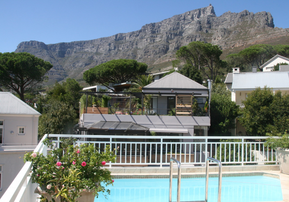 Pool with beautiful Table Mountain as a backdrop. Wow! what an amazing view!